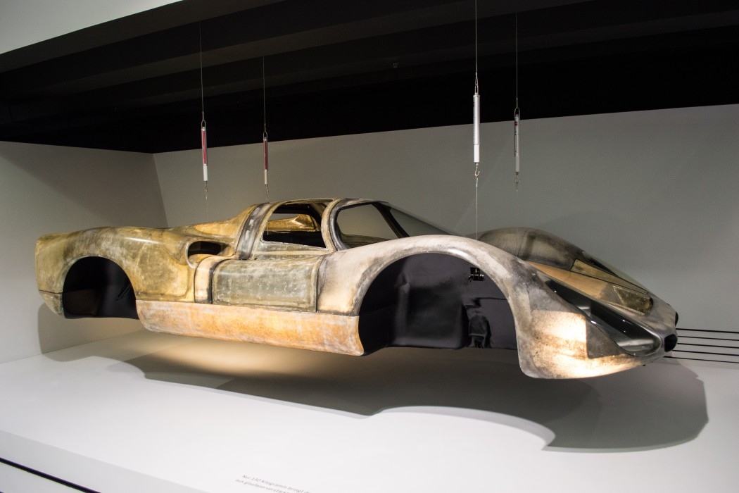908 Fiberglass Body Weighs Only 130kg Wound For